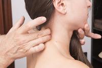 Consultation ostéopathe douleurs cervicales à Pessac